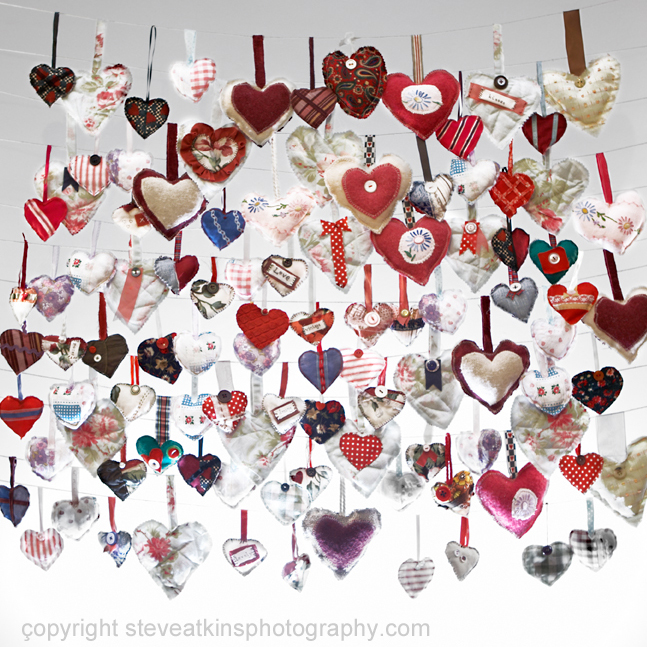 100 valentines hearts hanging on string