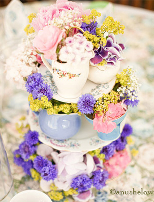 Flower cake stand