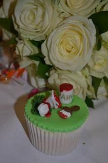 Alice in Wonderland cupcake vintage dorset