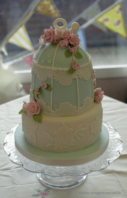 vintage inspired birdcage cake